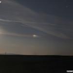 Mond und Nebenmond (Haloerscheinung rechts)