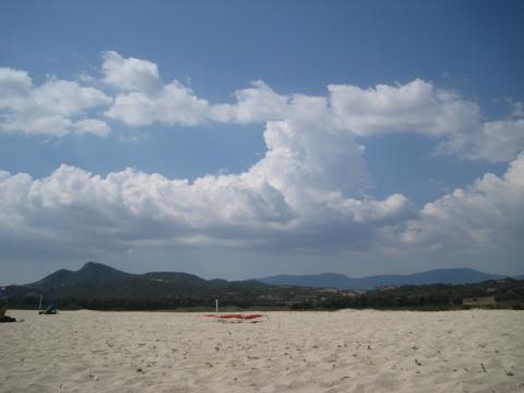 Cumulus Wolken auf Sardinien